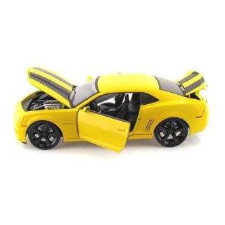 Cast 1:18 Scale White 2010 Chevrolet Camaro SS RS Police: Toys & Games