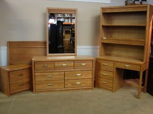 Stanley Furniture Oak Bedroom Set 6 PC Youth Bedroom Young America
