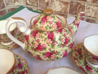 Royal Albert Old Country Roses Tea Pot Set 4 Cups w Saucers Stunning