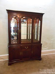 Ethan Allen Georgian Court Solid Cherry Lighted Breakfront China Cabinet Curio