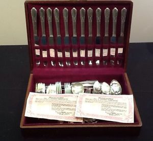 Oneida Wm Rogers Reinforced Silverplate Silverware Set of 77 Pieces L K