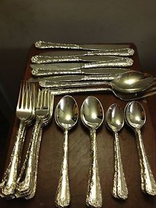 Wm Rogers Son Silverplated Enchanted Rose Silverware Flatware Set 34 Pieces