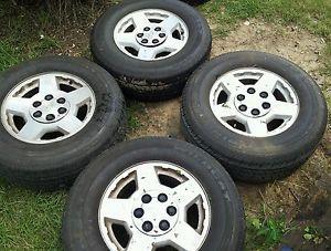 4 17 inch Stock Factory Chevy GM Wheels Rims Tires Silverado Z71 Tahoe 1500