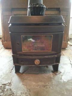 Consolidated Dutch West FA4552160 Cast Iron Wood Burning Stove