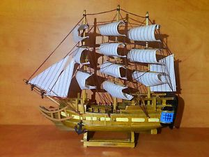 Wooden SHIP Art Model USS Constitution Pirate Sail Collectors Office Home Decor
