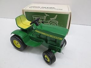John Deere 140 Lawn and Garden in Mint Box