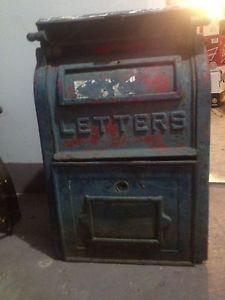 Antique Cast Iron Post Office Mailbox ...