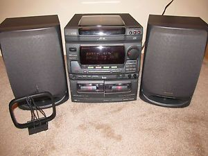 Aiwa Shelf Stereo System w 3 Disc CD Player Am FM Stereo Speakers Aux NSX V72