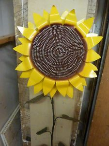 Cut Metal Large Painted Sunflower Garden Stake Yard Lawn Outdoor Landscape Decor