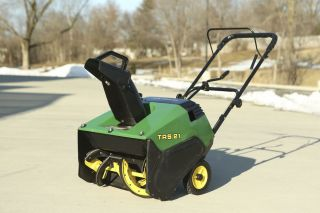 "TRS21 John Deere Snowblower 21"" Wide Tecumseh Engine"
