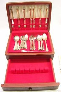 International Silver 1847 Rogers Bros Silver Plate Remembrance Pattern Flatware