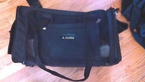Sherpa Pet Carrier Delta Airlines M Dog Cat Crate Bag Up 16lbs