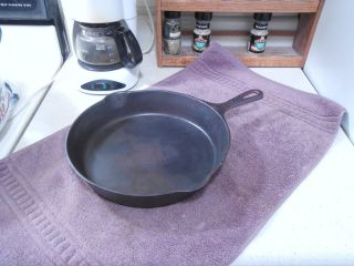Griswold Erie 8 704 Cast Iron Skillet w Large Slant Logo Clean No Build Up