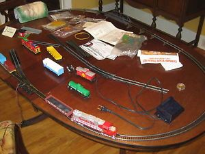 Life-Like Selection of HO Trains & Accessories : Lot 2115  |Life Like Trains And Accessories