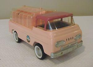 Nylint Dog Kennels Ford Econoline Pick Up Truck V RARE 60's Mint 100 Original