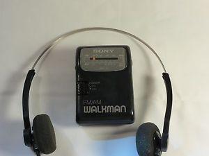 Sony SRF 39 Am FM Pocket Radio Headphones