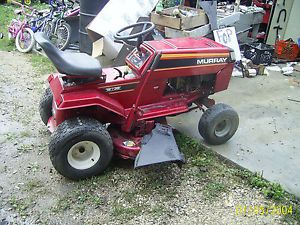 "Murray Riding Mower with 12 5HP Briggs Stratton Engine 38"" Deck"