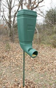 Redneck T Post Gravity Wildlife and Deer Feeder Corn Feeder 80lbs