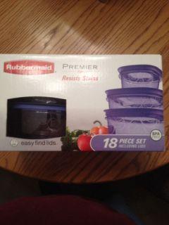 New Rubbermaid Premier 18 PC Set BPA Free Plastic Food Storage Container Purple