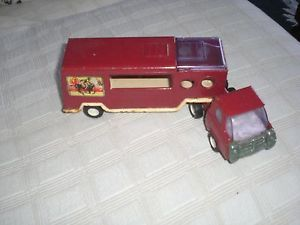 Vintage 1970's Buddy L Mack Truck Semi and Side Load Horse Hauler Trailer