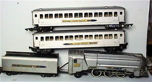 American Flyer Streamline 356 Silver Bullet Engine 2 Passenger Car 655 Train Set