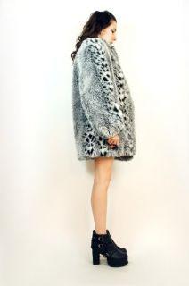 Vtg 80s Snow Leopard Animal Print Faux Fur Spotted Swing Dress Coat Jacket