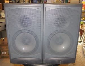 Infinity RS2 Bookshelf Speakers Look and Sound Great