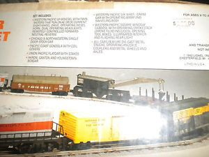 Lionel Feather River Diesel Engine Freight Car Set in Box