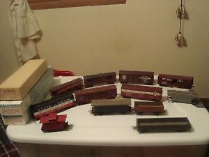 Vintage HO Scale Train Cars Model Railroad Kits