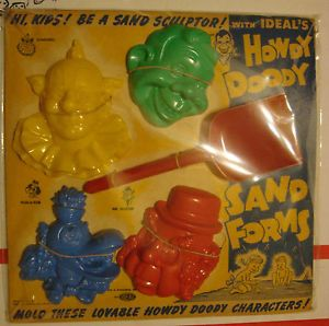 Ideal Howdy Doody Sand Forms for Molding Sand Howdy Characters Mint on Card 1952