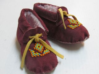 Native American Beaded Maroon Moccasins 5 inches for Toddler Unisex Cozy Warm