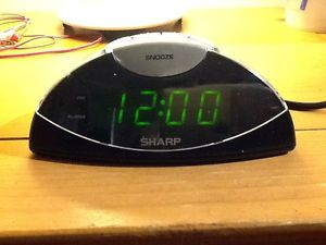 Sharp Loud Green LED Digital Alarm Clock Radio Black Silver
