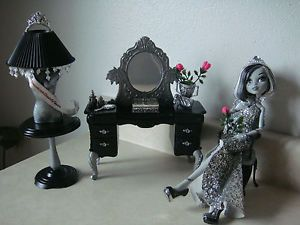 Monster High Frankie Stein Theme Miss America Beauty Queen Doll House Lot OOAK