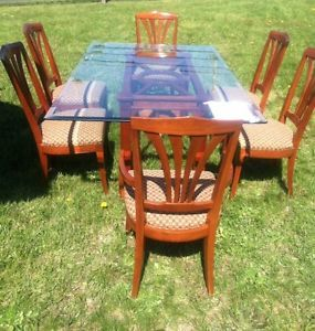 Ethan Allen Medallion Series Dining Table and 6 Chairs