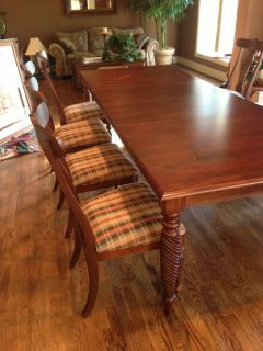 Ethan Allen Dining Table w Chairs