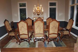 http://img0121.popscreencdn.com/181445382_henredon-alfresco-collection-dining-room-table-chairs.jpg