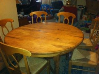 Pottery Barn Stefano Side Kitchen Dining Table Armless Side Chairs - Pottery barn pine table