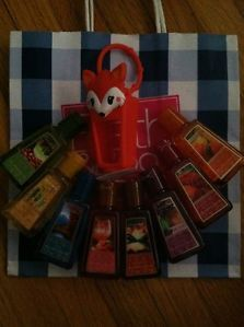 Bath and Body Works PocketBac Holder Autum Harvest Fox 8 Hand Sanitizers