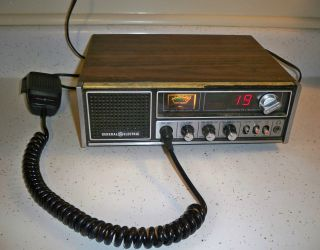 Vintage General Electric 40 Channel CB Radio Base Station 3 5871B Needs Repair