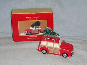 Dept 56 Home Town Traditions Christmas Is Coming Car w Tree Accessory in Box