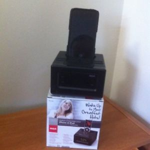 RC130I Clock Radio Docking Station for iPhone and iPod Black Friday OFFER