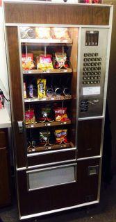 Lektro Vend Model 204 Snack Vending Machine Perfect for Small Location