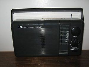 Vintage Electro Brand Am FM Weather Band and 2 TV Band Portable Radio