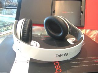 Beats Studio by Dr Dre White Headband Headphones Box Papers