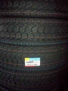 295 75R22 5 14 Ply Ling Long D37 Drive Traction Semi Truck Tires Wholesale QTY40