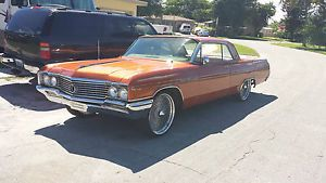 1964 Buick Lasabre 2 Door Coupe with 22 inch Wires Wheels