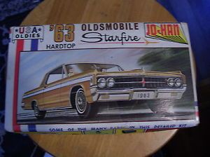 1963 Oldsmobile Box Full of 1 25 Parts and Pieces for Future Builds Diorama