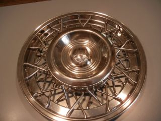 1950 1953 Oldsmobile Wire Wheel Hubcap