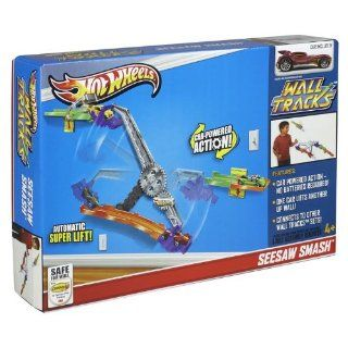 New Hot Wheels Wall Tracks Seesaw Smash Track Set