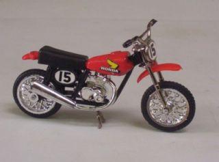 Honda XR 75 Dirt Bike Ridge Riders 80's Zee Toys 1 24 Motorcycle